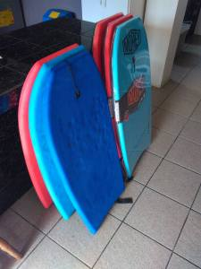 Casafé also got a nice Christmas present of 6 new boogie boards! Which is so great - because the old ones we have are pretty broken.